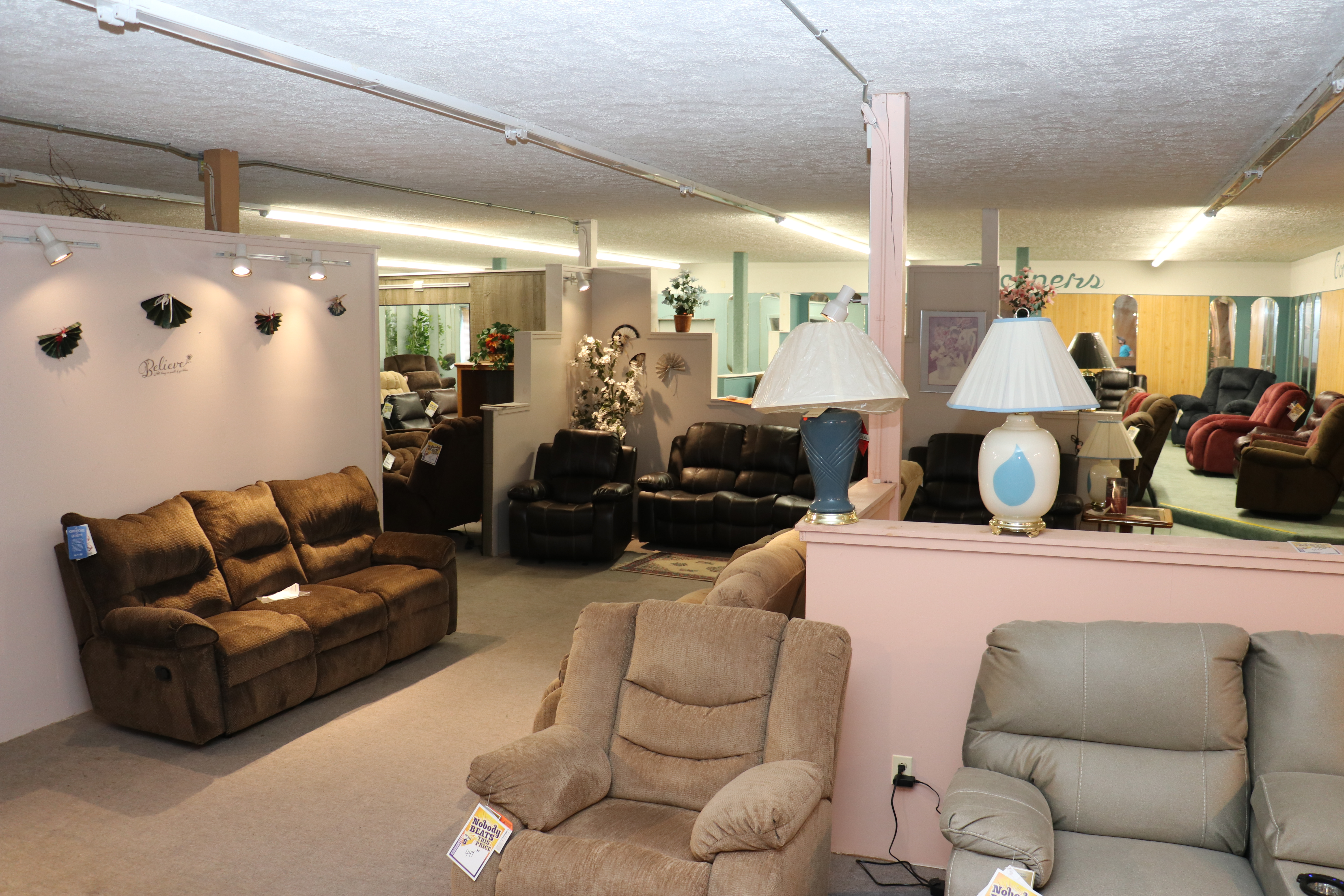Gallant Discount Furniture | Roxbury Maine 0017